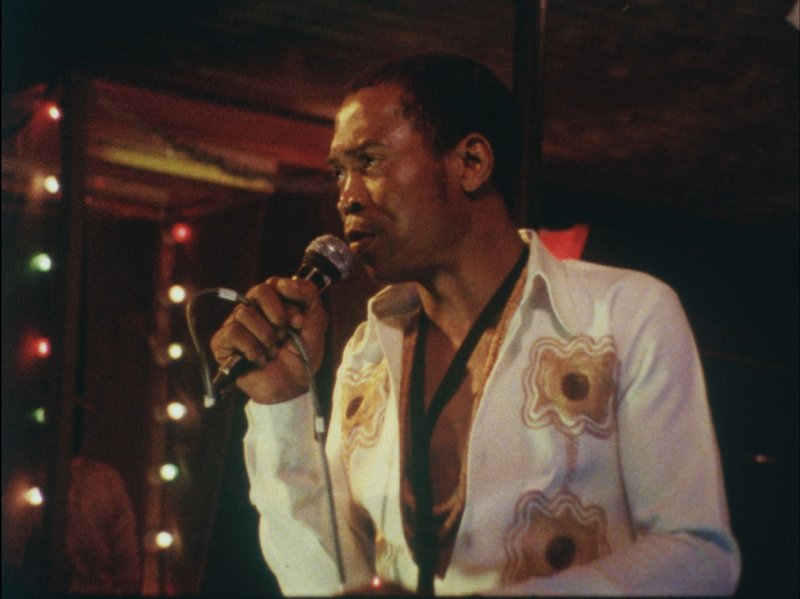 Fela_Kuti_at_the_Shrine_copyright_1983_Kertekian_Stein_Dogwoof_Documentary_Finding_Fela_800_599_85