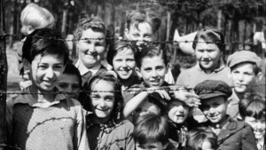 german-concentration-camps-002-still-children-barbedwire